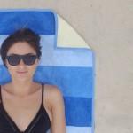 夏はまだまだ…完全防水で砂がつかない「最強のビーチタオル」で海を満喫!