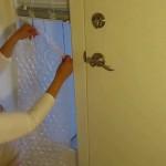 おばあちゃんの知恵袋。あのプチプチを使った窓の防寒対策が効果抜群だと話題に